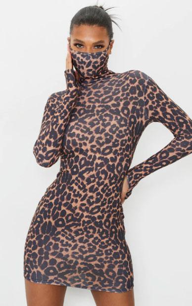 Светло-коричневое платье с маской для лица с леопардовым принтом и длинными рукавами PrettyLittleThing