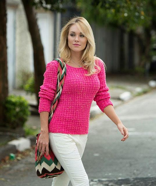 Как связать вафельный свитер розового цвета