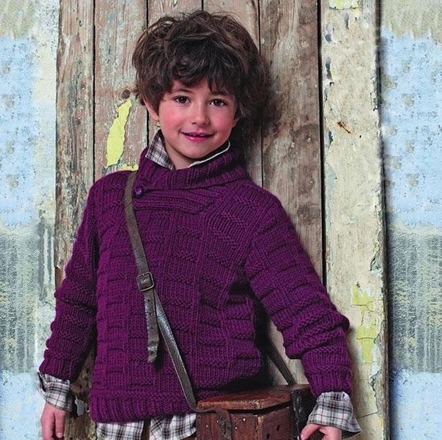 Бордовый свитер с горлом для мальчика