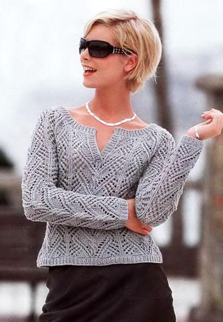 Изысканная классика спицами – ажурный пуловер для стильных леди