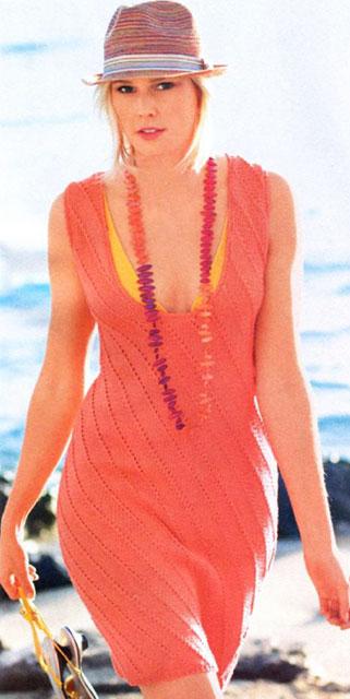 Платье с глубоким вырезом на лето