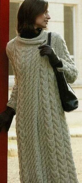 Как связать женственное пальто рельефным узором