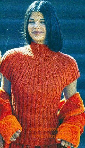 Вязаный шерстяной пуловер с коротким рукавом