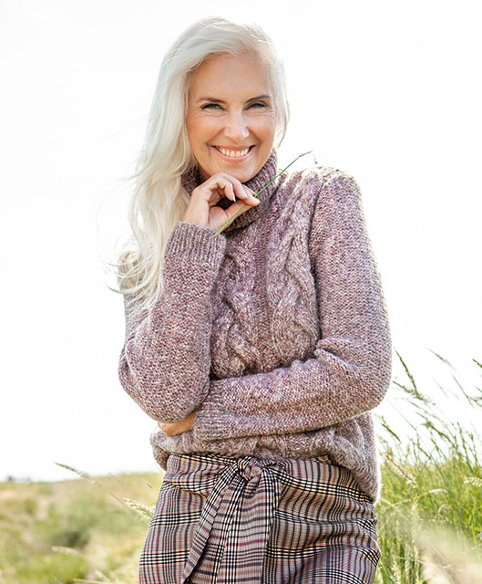 Женский свитер из шерсти и хлопка